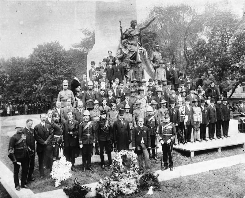 1908_Toronto_SouthAfrican_War_Memorial_QueenSt1.jpg