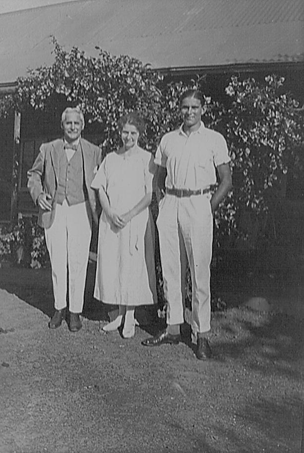 GeorgeAmeliaandDavidFitt1922.jpg
