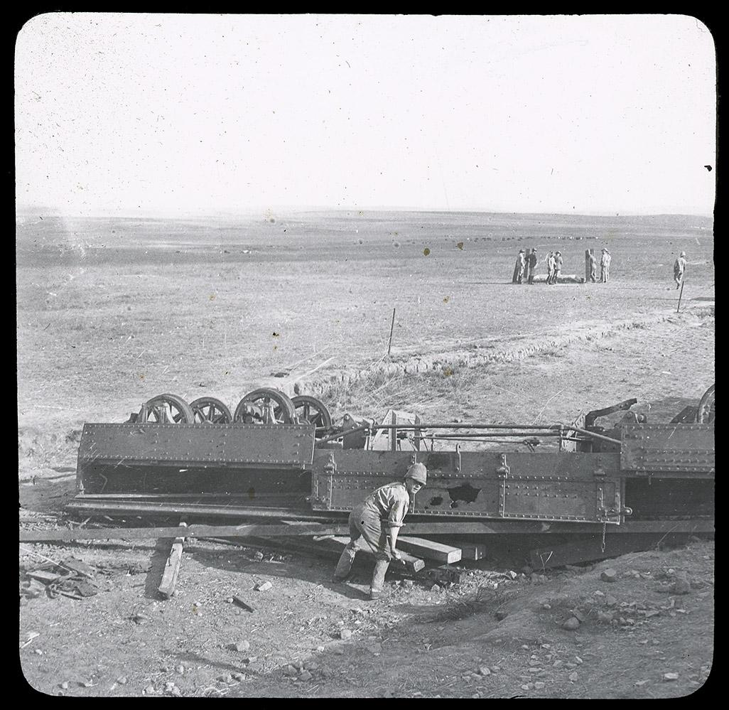 Armoured_train_derailment_Rene_Bull_02.jpg