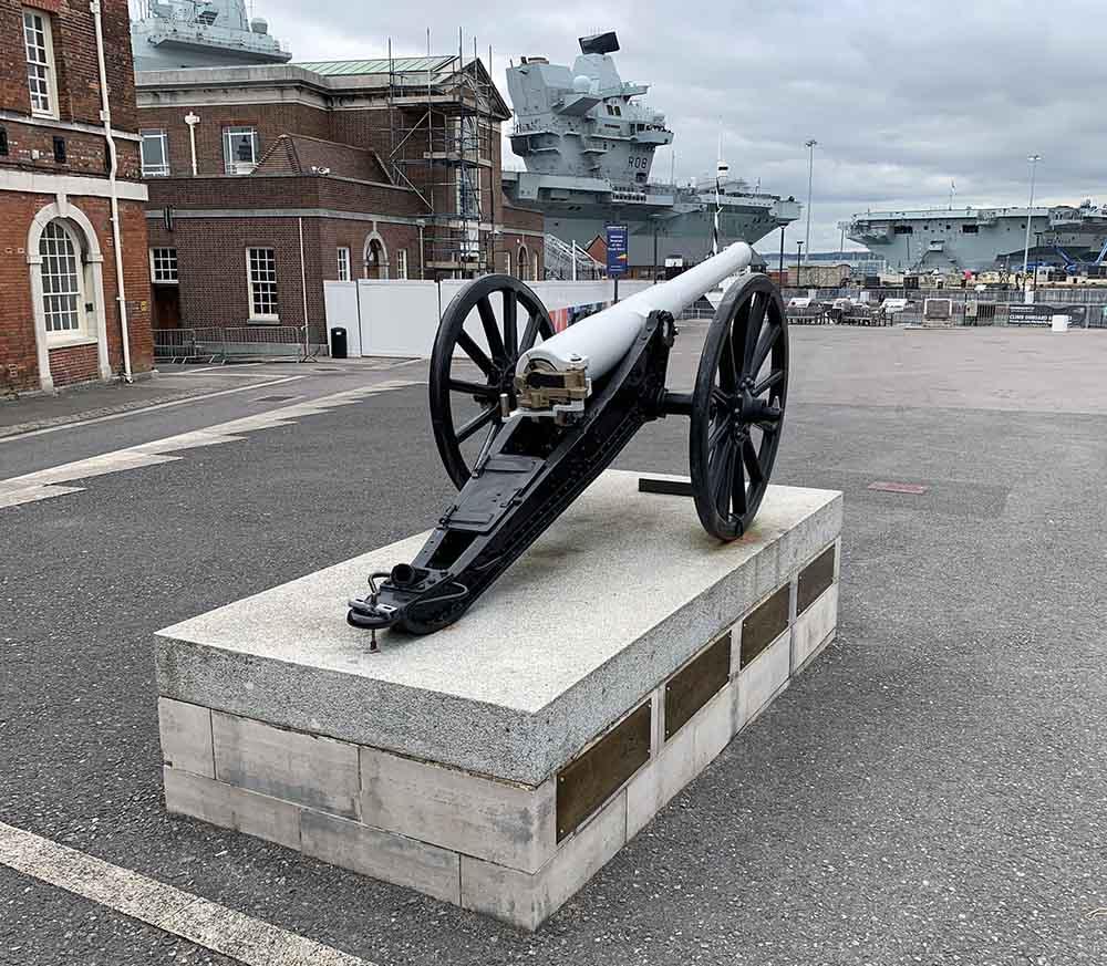 Portsmouth_fieldgun.jpg