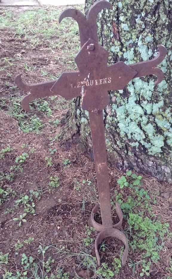 gravemarkerQueens2.jpg